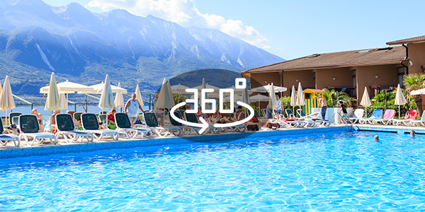https://www.hotelleonardolimone.it/wp-content/uploads/2018/08/Leonardo-PiscinaPrincipale.jpg